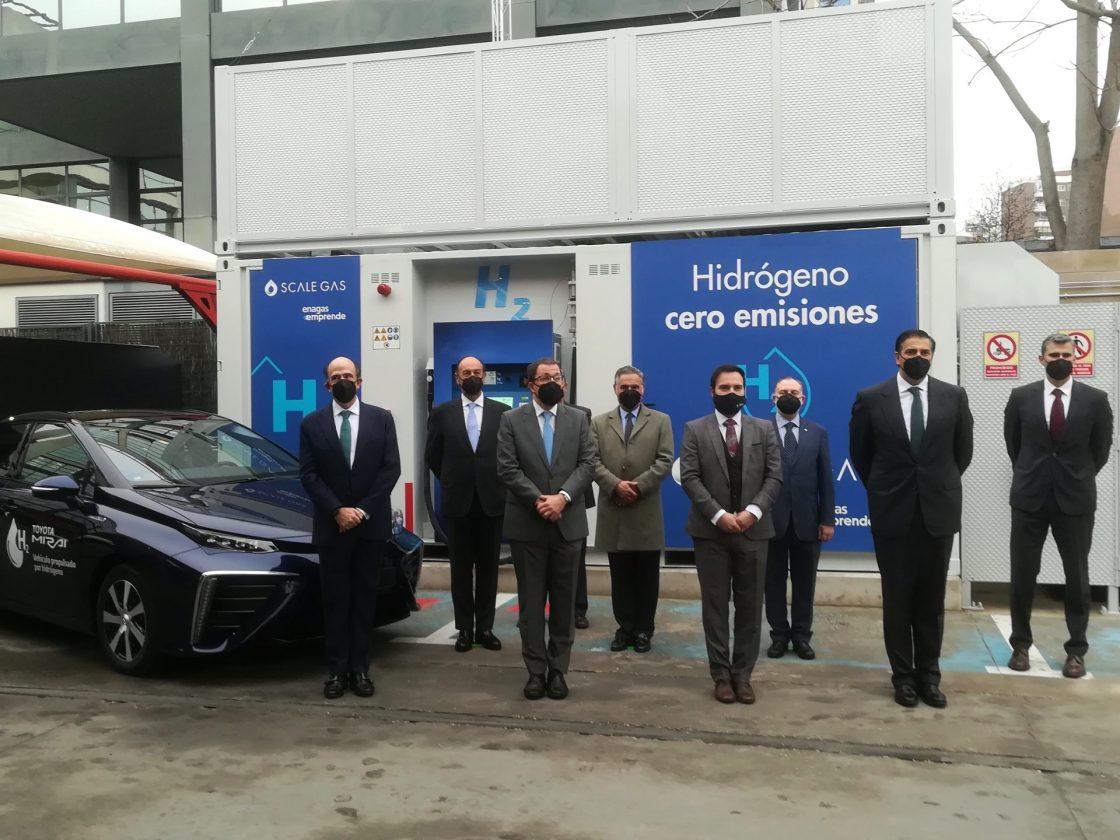 Representantes del sector de la automoción presentan en Madrid la primera hidrogenera para vehículos de gran autonomía de España. Autor: José Miguel Pascual