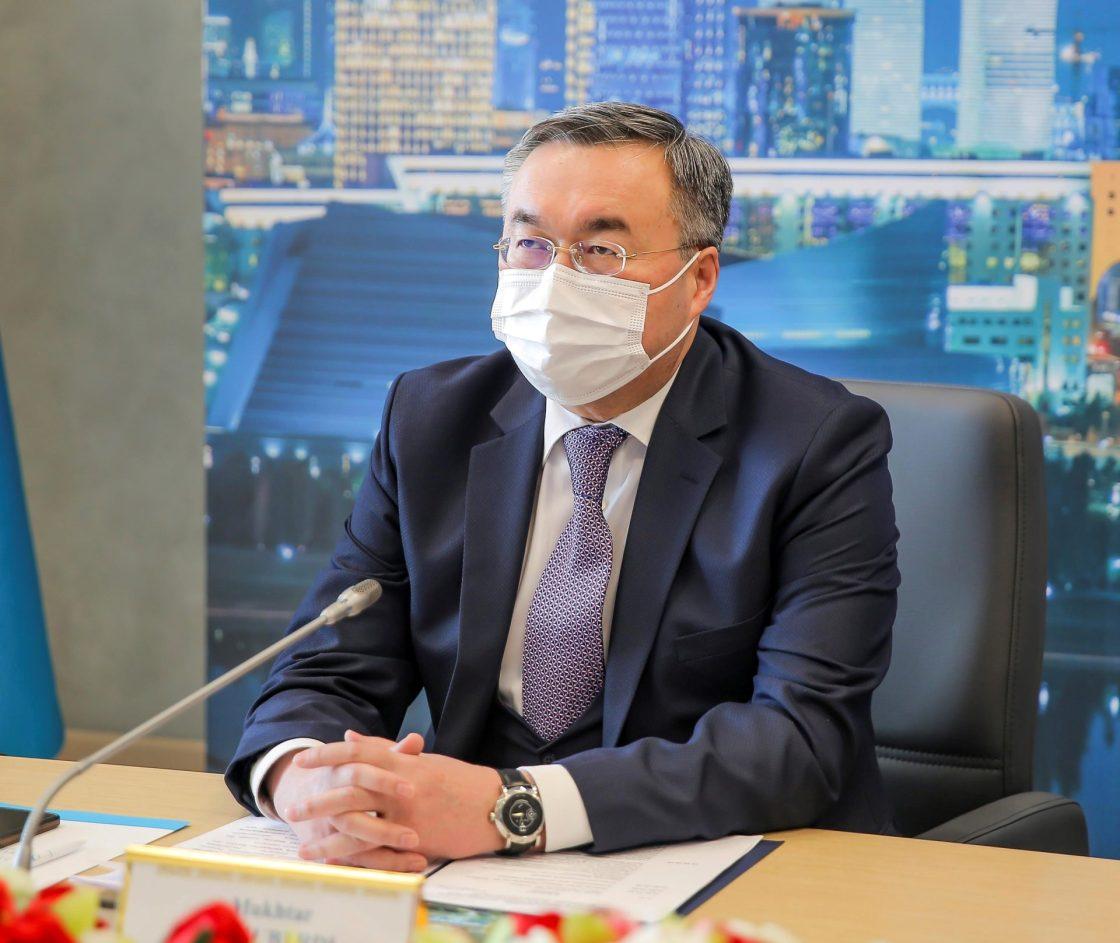 ASTANÁ (KAZAJISTÁN), 19/02/2021.- El ministro de Exteriores de Kazajistán, Mujtar Tleuberdi, durante la conferencia de la Cumbre de Astaná de 2010 organizado conjuntamente con la OSCE. La secretaria general de la OSCE, Helga Schmid, reivindicó hoy el papel de la Organización para la Seguridad y la Cooperación en Europa como foro para el diálogo, el fomento de la confianza y la prevención y resolución de conflictos en un momento de fragilidad y desafíos en la región. EFE/ Biblioteca Del Primer Presidente De Kazajistán SOLO USO EDITORIAL/SOLO DISPONIBLE PARA ILUSTRAR LA NOTICIA QUE ACOMPAÑA (CRÉDITO OBLIGATORIO)