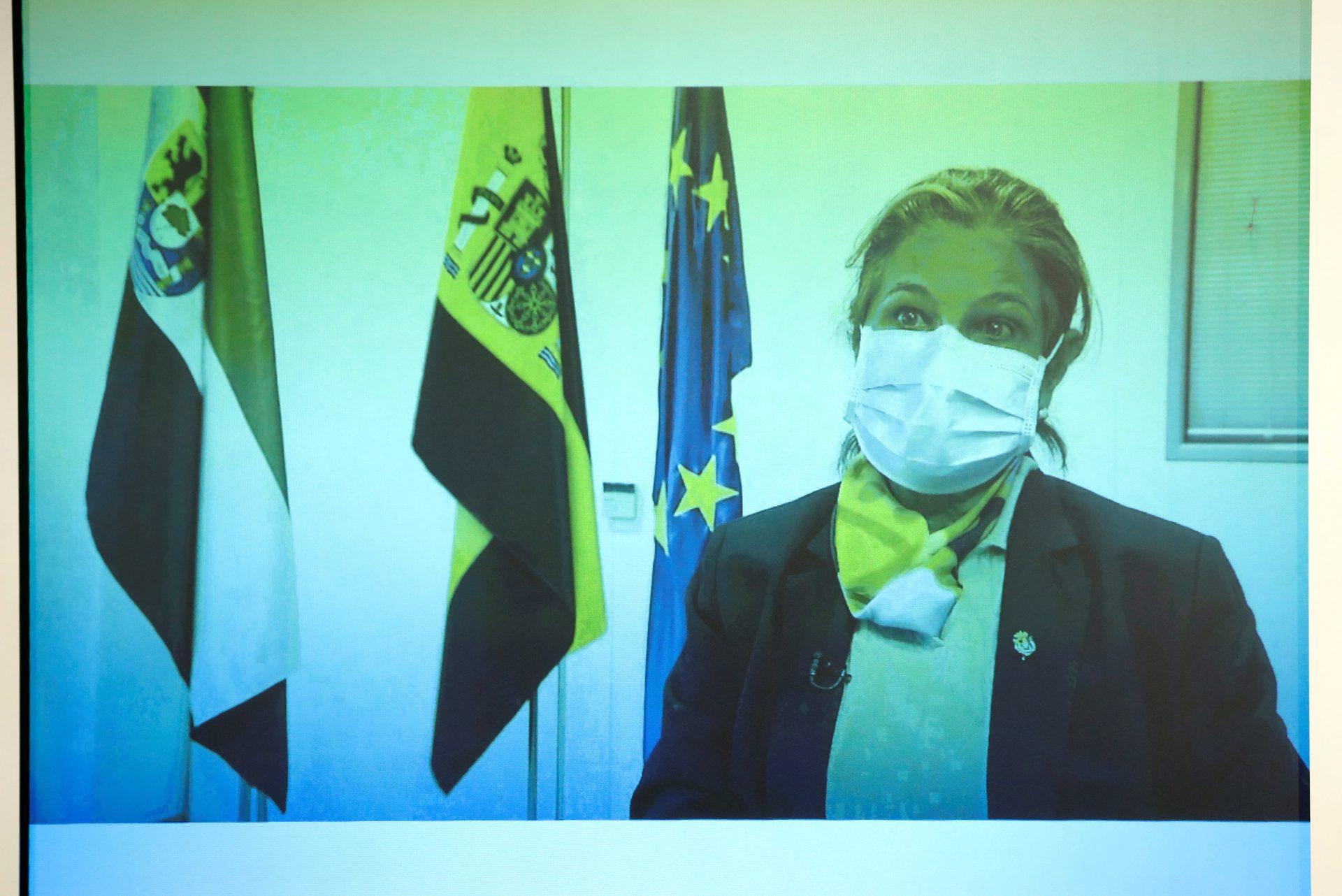 """MADRID, 25/03/2021.- La Vicepresidenta Primera y Consejera de Hacienda y Administración Pública de la Junta de Extremadura, Pilar Blanco-Morales intervienen por videconferencia en la mesa redonda del tercer foro organizado por EFE y la consultora KPMG del ciclo """"Fondos Europeos, las claves para la recuperación"""" que, bajo el lema """"El reto de la gestión"""", se celebra este jueves en el Palacio de Linares, en Madrid. EFE/J.J. Guillén POOL"""