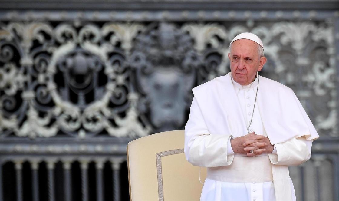 El papa Francisco preside la audiencia general en la plaza de San Pedro en el Vaticano. EFE/ Ettore Ferrari