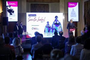 MADRID, 20/05/2021 (EFE).- El consejero de Sanidad de la Comunidad de Madrid, Enrique Ruiz Escudero, participa hoy, 20 de mayo de 2021, en el acto de entrega de premios Santa Isabel HLA 2021 en el Teatro Real de Madrid. EFE/David Fernández