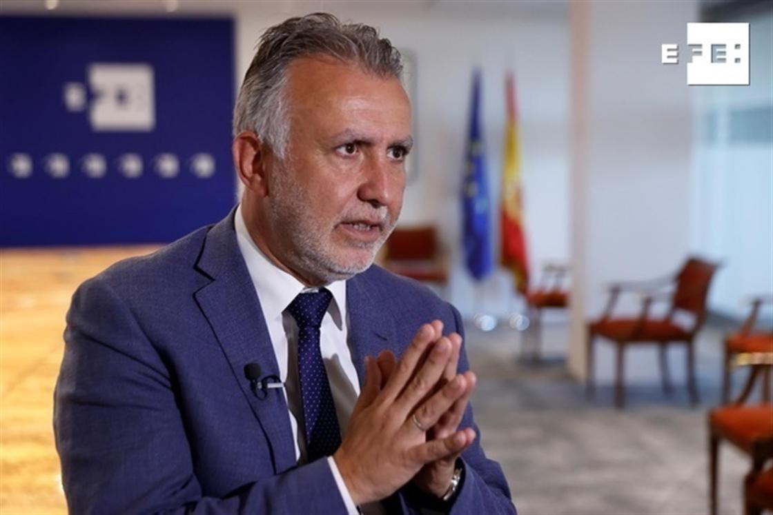 El presidente de Canarias, Ángel Víctor Torres, en una entrevista con EFE este martes en Madrid, antes de asistir a la apertura de Fitur. EFE/ Chema Moya