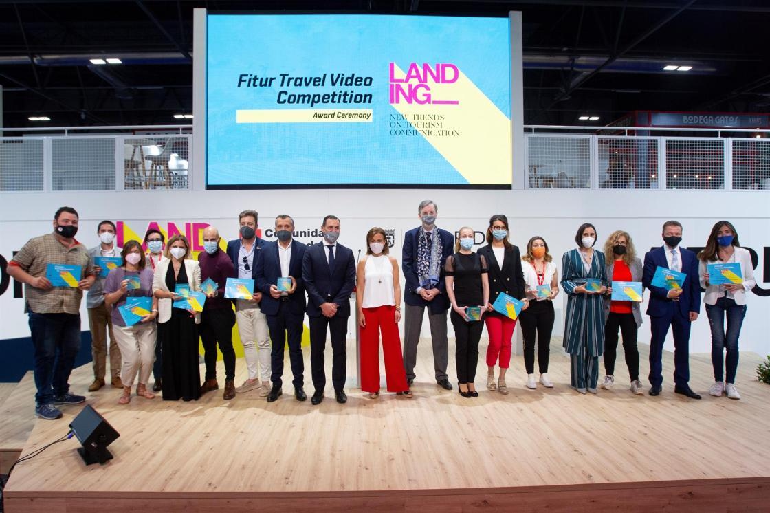 MADRID, 21/05/2021 Entrega de premios Fitur Travel Video Competition celebrado en Fitur. En la foto, todos los premiados. EFE/Javier Liaño