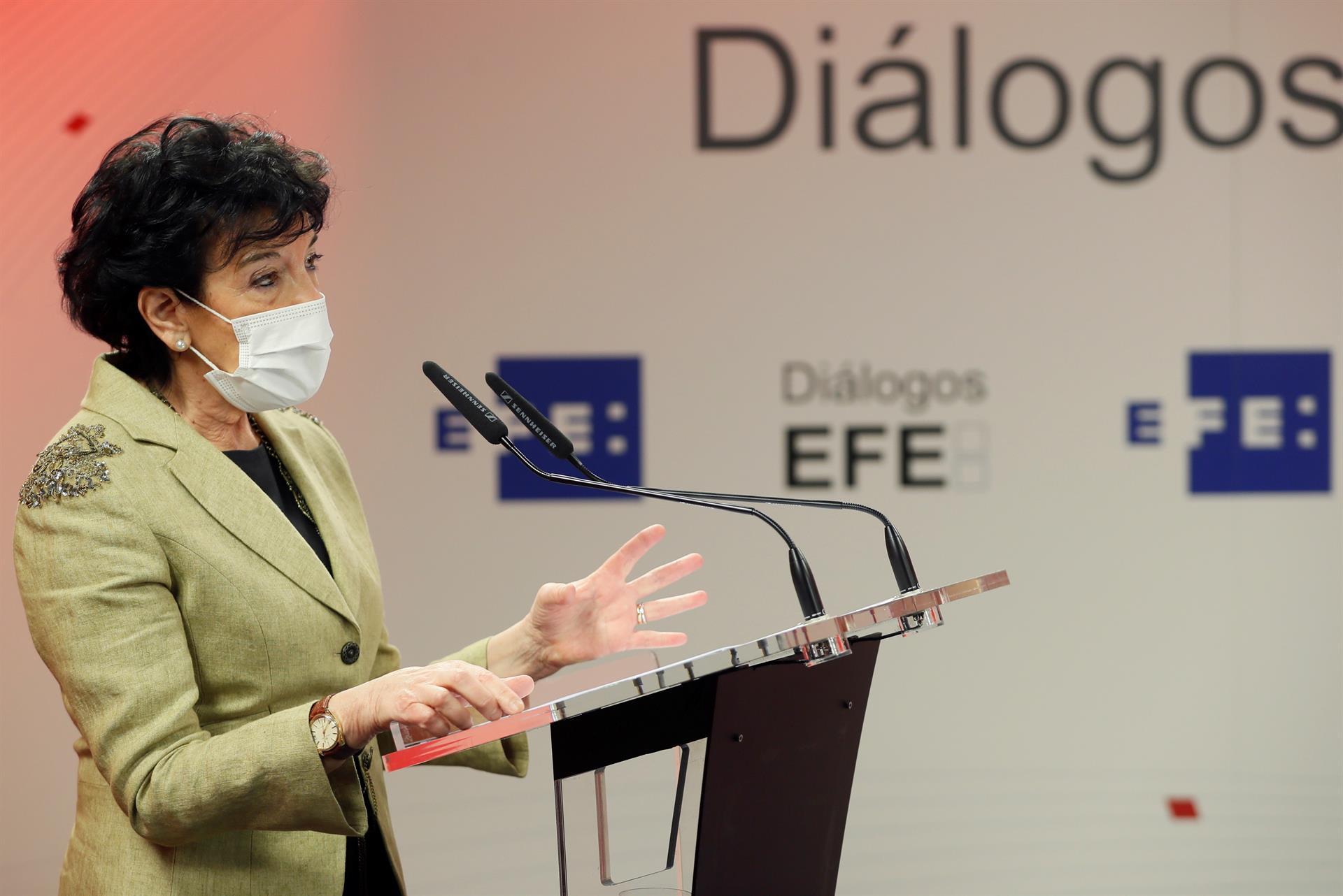 La ministra de Educación y Formación Profesional, Isabel Celaá durante su intervención en el foro 'Educación y transformación digital: la ecuación de futuro'. EFE/Mariscal