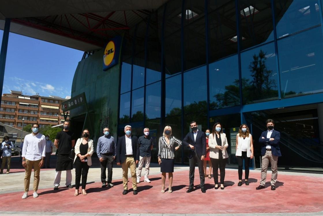 Lidl revitaliza el emblemático Mercado Municipal de Can Vidalet y abre una nueva tienda en Esplugues.