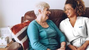 ASISTED, primera entidad social en crear una academia para formar a sus asistentes de atención domiciliaria.