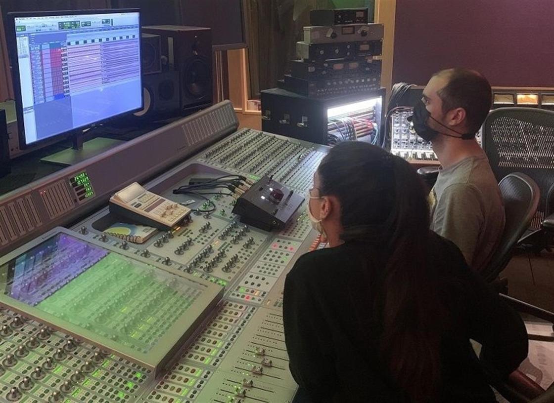 Almudena Almazor en el estudio / Autor: Almudena Almazor