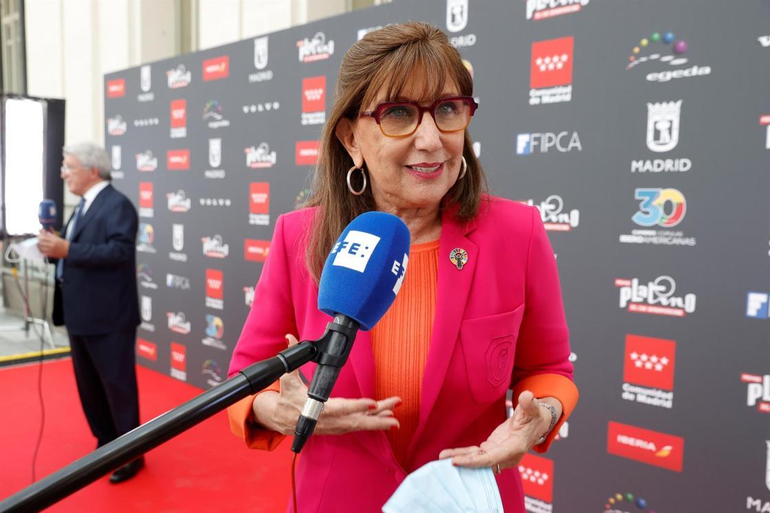 GRAF3393. MADRID, 22/07/2021.- La Secretaria General Iberoamericana, Rebeca Grynspan atiende a los medios durante la ceremonia de lectura de las nominaciones de los Premios Platino el pasado lunes.  En 2109, el año previo a la pandemia, la industria cinematográfica iberoamericana contabilizó 918,6 millones de espectadores, con un crecimiento del 5,6 por ciento respecto al año anterior, según un informe de EGEDA; cifras que, para Grynspan, hacen del sector un elemento de hermandad y unión entre países iberoamericanos. EFE/ Chema Moya