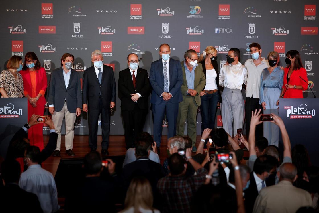 MADRID, 19/07/2021.- Foto de familia durante la ceremonia de lectura de las nominaciones (película y series) a los Premios Platino del Cine Iberoamericano, este lunes, en Madrid. EFE/Chema Moya