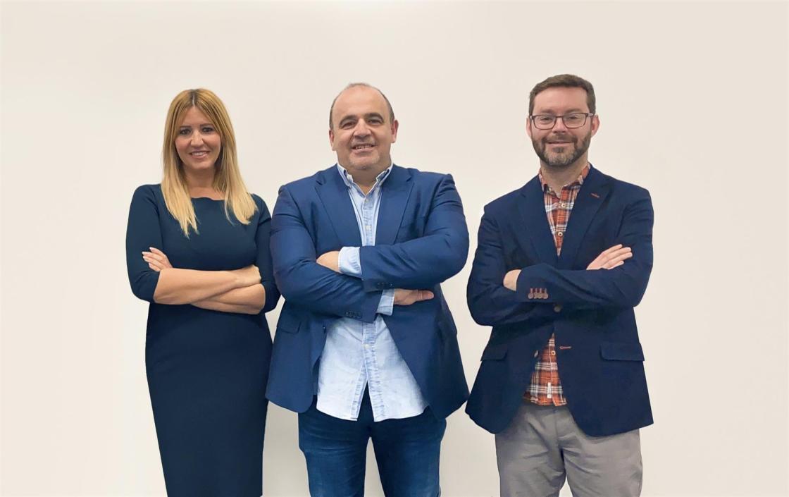 Silvia Escámez, CEO y cofundadora de Finteca; Carlos Blanco, fundador de Finteca y Marc Torres, CPO y cofundador de Finteca.