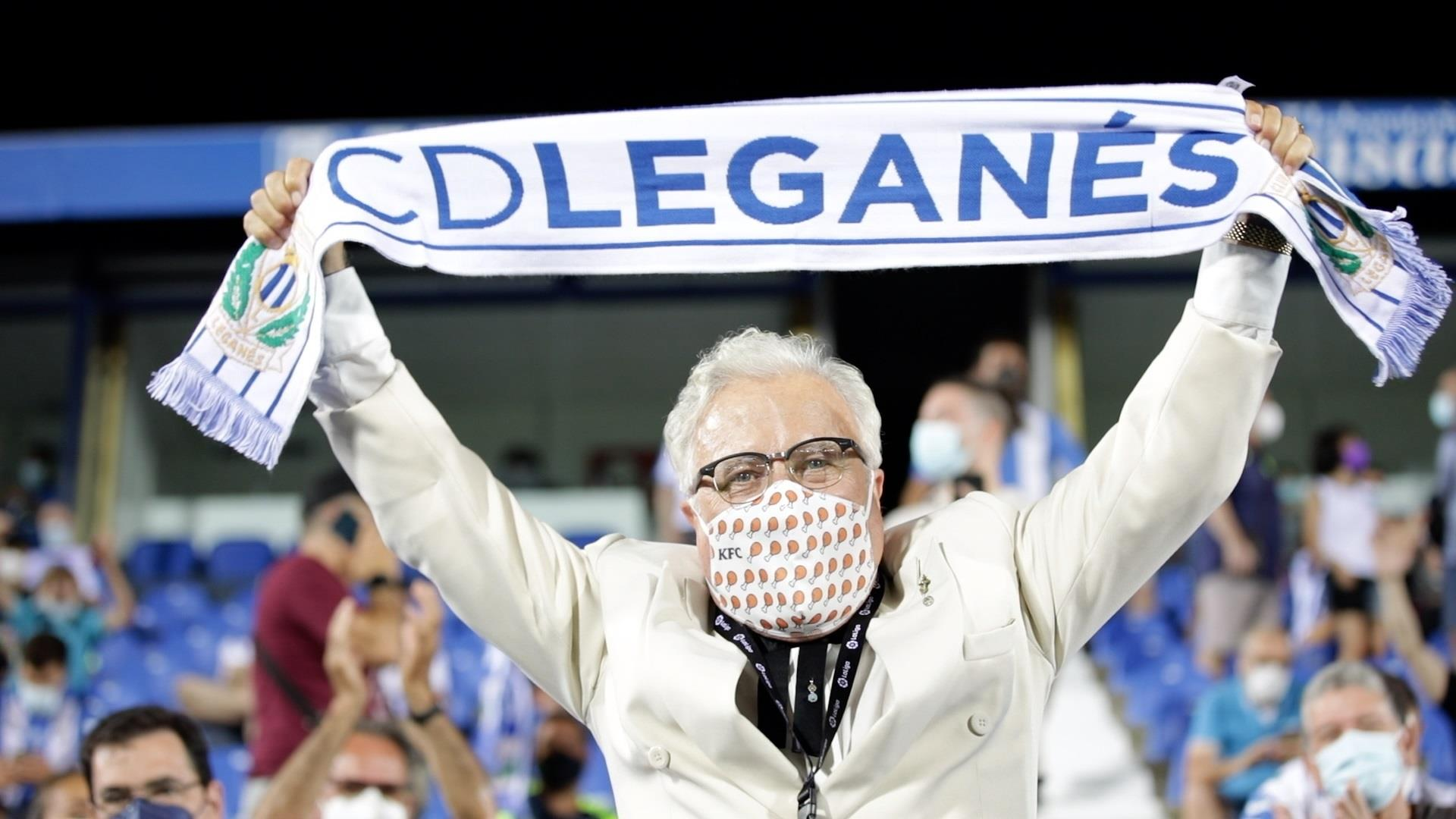 El C.D. Leganés convierte a sus capitanes en coroneles para buscar el ascenso, en una campaña de promoción junto a la cadena de comida KFC.