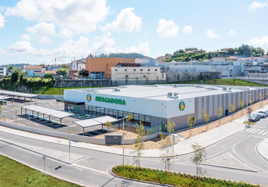 Mercadona cuenta desde hoy con 24 supermercados en el norte de Portugal.