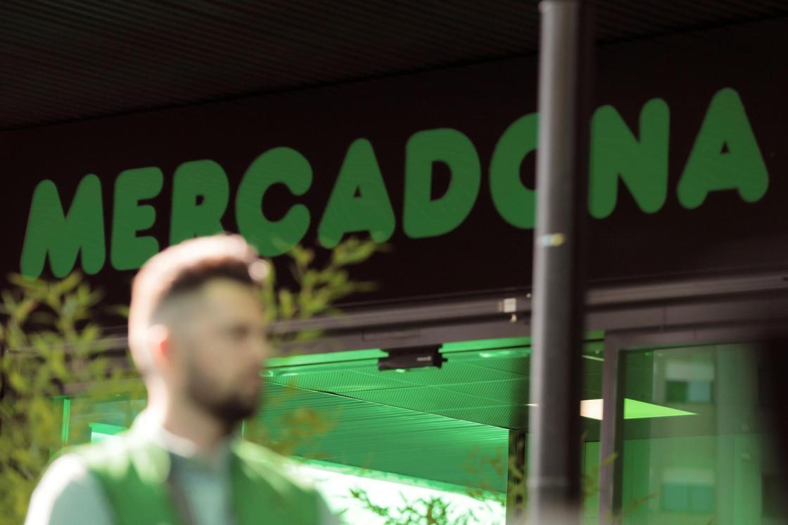 Exterior de un supermercado de Mercadona en Portugal, en Canidelo (Oporto). Archivo/EFE/ Carlos García
